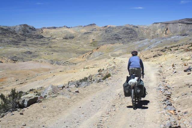 Descending on the way to Abra Huacullo