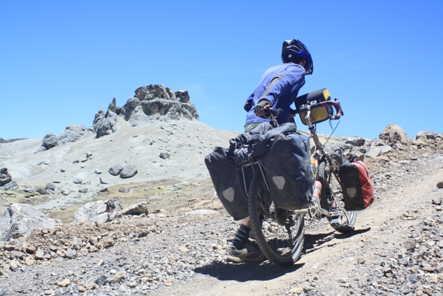 Pushing up to another high point on the way to Abra Huacullo