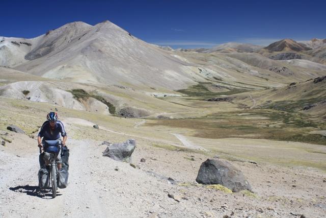 Climbing to Abra Loncopata