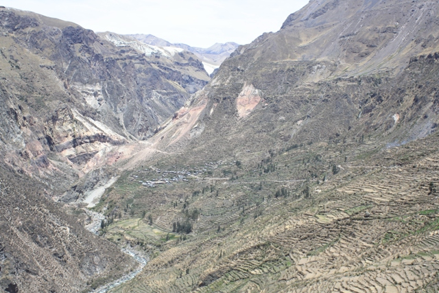 On the climb to Huactapa, looking back at the village