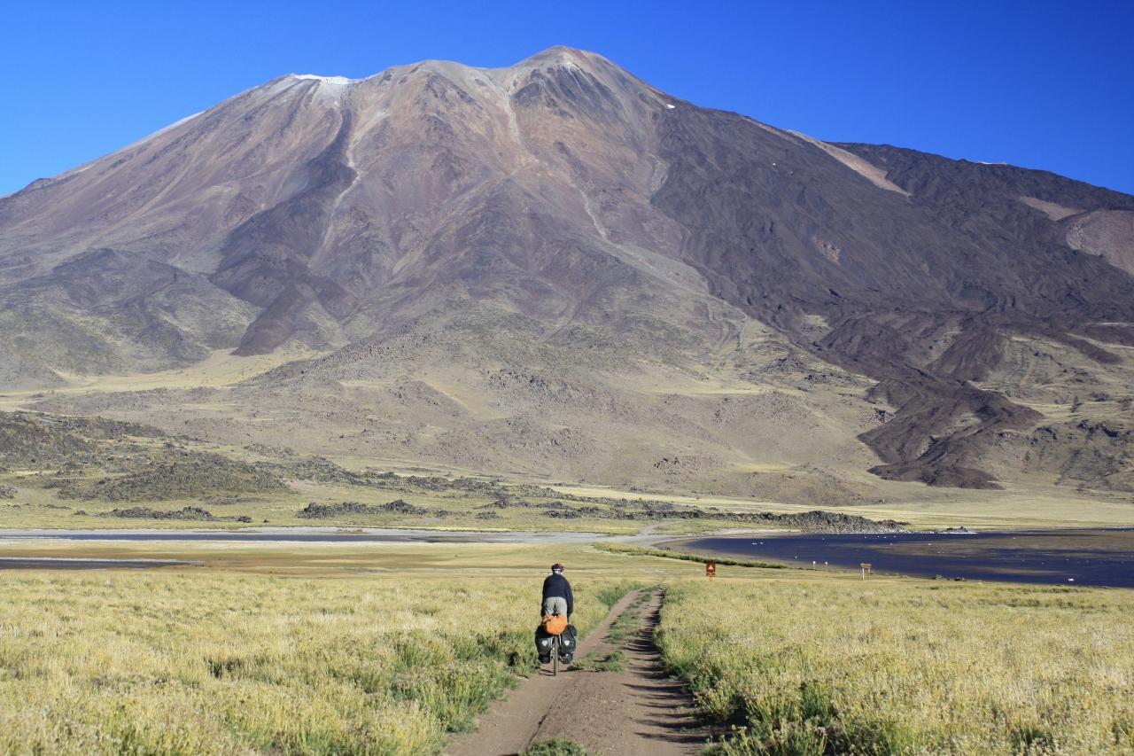 Track to Volcan Tromen basecamp
