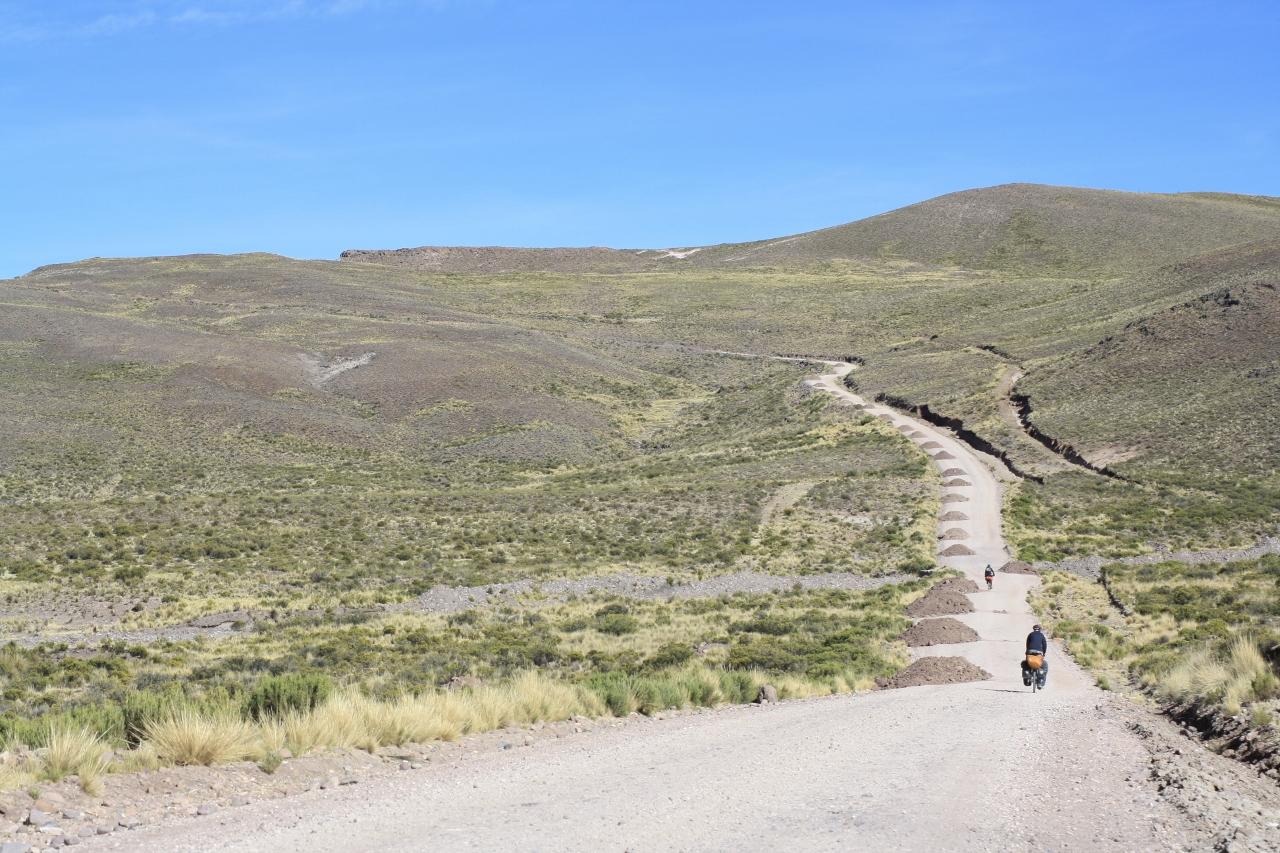 Climbing to Abra Pucamaya
