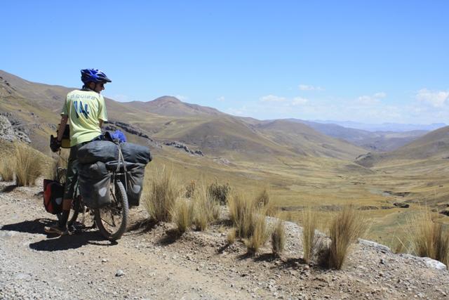 Gentle climb to Abra Mañazo