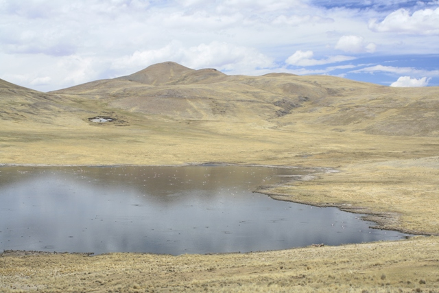 Lake on the descent from Abra Mañazo