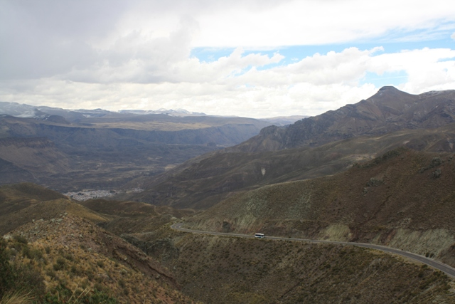 The descent into the Colca Canyon