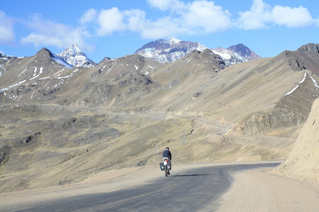Climbing to Abra Tres Cruzes